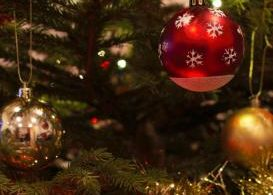 baubles, christmas tree, holiday, christmas, festive, reads, books, kettle mag, emmi bowles