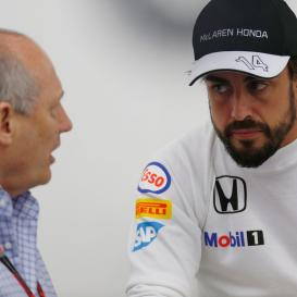 2015-Bahrain-GP-Ron-and-Fernando.jpg