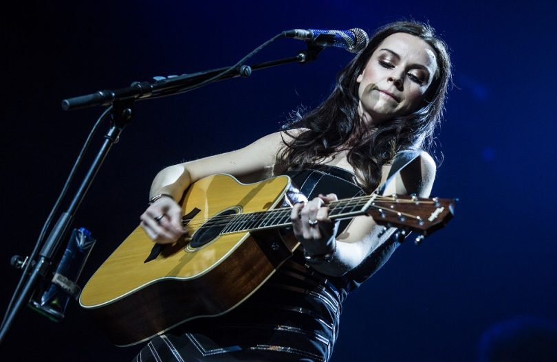 Amy MacDonald, music, performance, Lorna Holland, Kettle Mag
