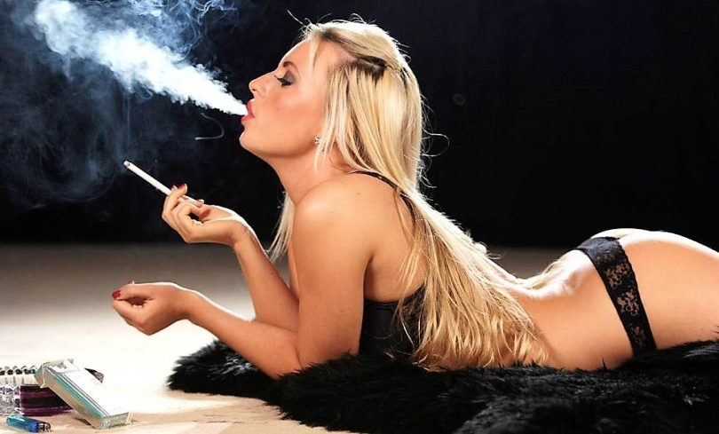 Sexy Mature Smoking Sex